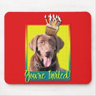 Invitation Cupcake - Labrador - Chocolate Mouse Pad