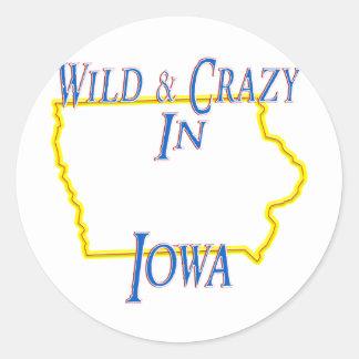 Iowa - salvaje y loco etiqueta redonda