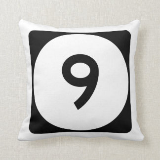 Iowa State Route 9 Throw Pillow