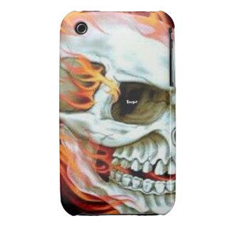 Iphone 3 BT - cara del cráneo en el fuego iPhone 3 Fundas