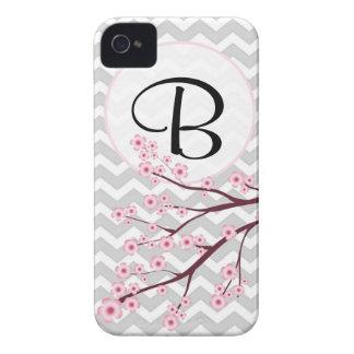 iPhone 4 4S del monograma de la flor de cerezo y d Case-Mate iPhone 4 Protectores
