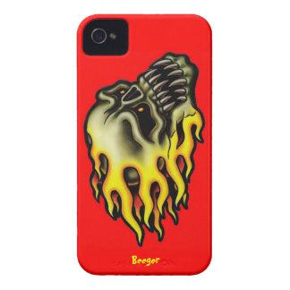 Iphone 4 BT - cráneo llameante del motorista iPhone 4 Case-Mate Protectores