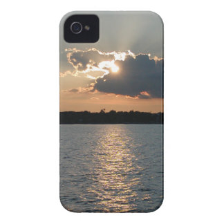 iPhone 4 case with photo of silver-lining sunset