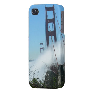 iPhone 4 Savvy - Golden Gate Bridge in fog iPhone 4 Cover
