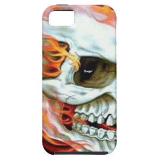 Iphone 5 duro - cara del cráneo en el fuego iPhone 5 carcasas