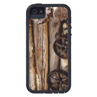 iPhone 5 / iPhone 5s Case Log Cabin & Wagon Wheels iPhone 5 Case