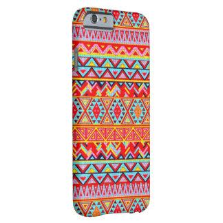 iPhone 6: Caso tribal del arte Funda De iPhone 6 Barely There