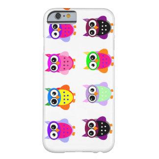 iPhone colorido lindo de los búhos del kawaii Funda Barely There iPhone 6