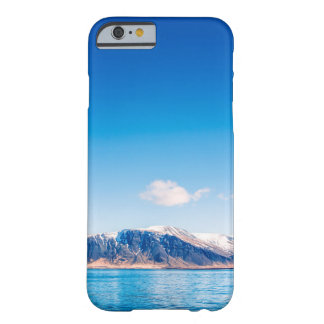 iPhone cover with a mountain landscape