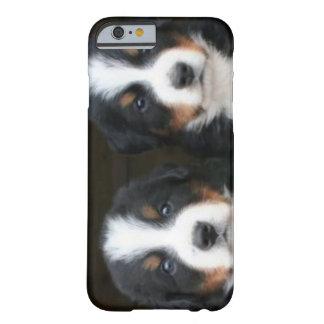 iPhone del perro de montaña de Bernese 6 ID™ Funda De iPhone 6 Barely There