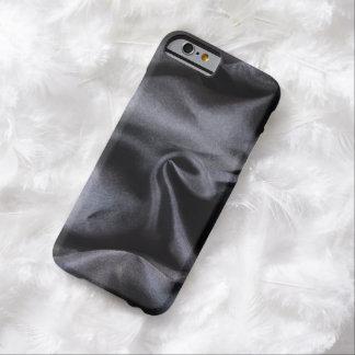 iPhone: Tela de seda negra brillante. Luz mágica Funda De iPhone 6 Barely There