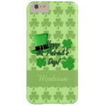 iPhone verde 6 del St. Patricks de los tréboles Funda De iPhone 6 Plus Barely There