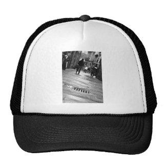 """Ir y venir en Compostela"" Hat"