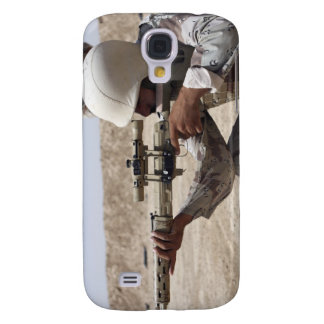 Iraqi Army Sergeant sights in down range 2 Galaxy S4 Cover
