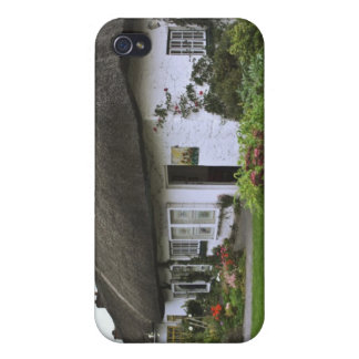 Ireland, Adare. Thatched-roof cottage iPhone 4/4S Cover