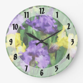 Iris amarillos y púrpuras reloj redondo grande
