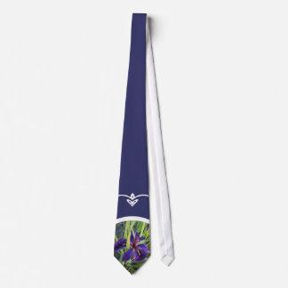 Iris púrpura del agua corbatas