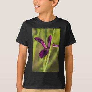 Iris púrpura del gallo de pelea de Luisiana Playera