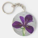 Iris púrpura llavero redondo tipo pin