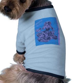 Iris púrpura que piensa en usted arte del jardín d camiseta de perro