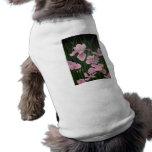Iris rosados camisa de mascota