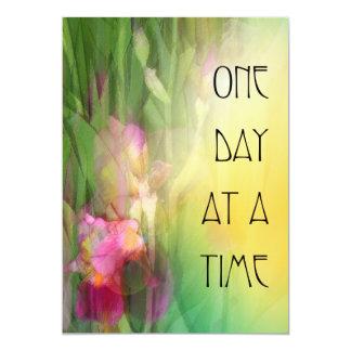 Iris rosados y rojos de un día a la vez invitación 12,7 x 17,8 cm