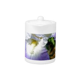 Iris Throat Teapot