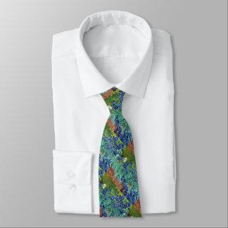 Iris Vincent van Gogh que pinta la corbata