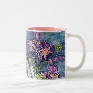Iris y margarita de Columbine Taza