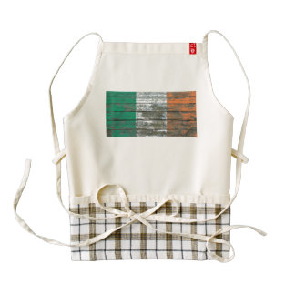 Irish Flag on Rough Wood Boards Effect Zazzle HEART Apron
