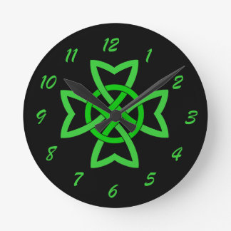 Irish Green Celtic Knot Round Clock