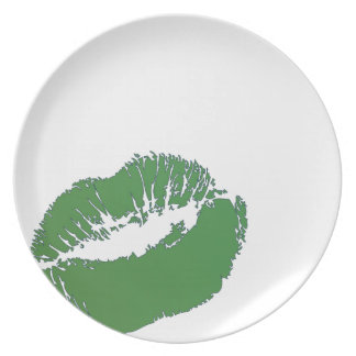 Irish Green Kiss Party Plate