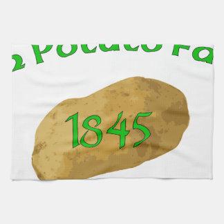 Irish Potato Famine - Never Forget! Hand Towel