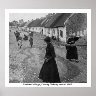 Irlanda 1902, pueblo de Fairhead, condado Galway Póster