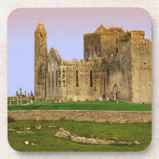 Irlanda, Cashel. Ruinas de la roca de Cashel Posavasos De Bebida