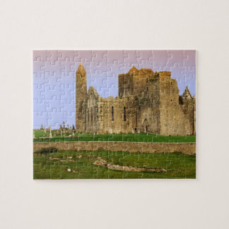 Irlanda, Cashel. Ruinas de la roca de Cashel Puzzle
