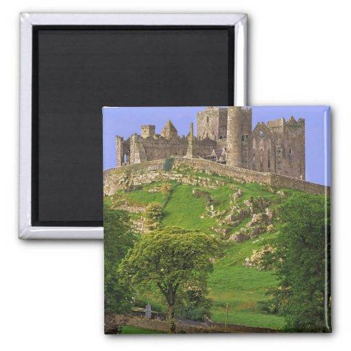 Irlanda, condado Tipperary. Vista de la roca de Imán Cuadrado