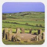 Irlanda, corcho del condado. La piedra de Dromberg Pegatina Cuadrada