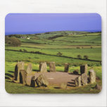 Irlanda, corcho del condado. La piedra de Dromberg Tapete De Ratones