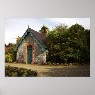 Irlanda, el jardín emparedado castillo de Dromolan Póster
