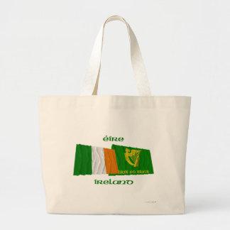 Irlanda y Erin van las banderas que agitan de Brag Bolsa De Mano