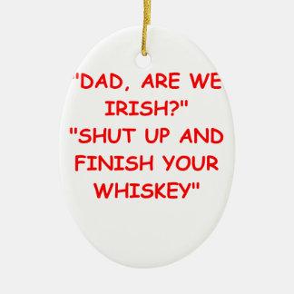 irlandés adorno navideño ovalado de cerámica