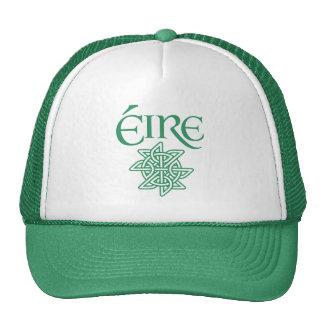 Irlandés céltico decorativo del modelo de nudo de gorras