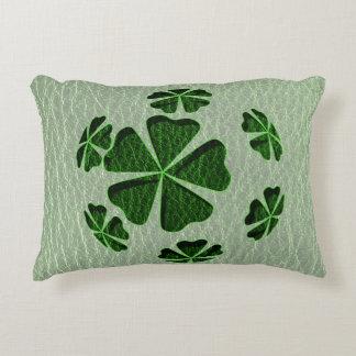 Irlandés CloverBall de la Cuero-Mirada Cojín Decorativo