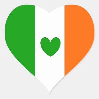 Irlandés en el corazón pegatina en forma de corazón