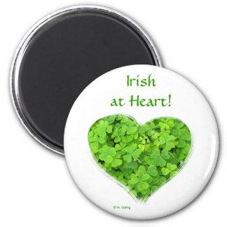 Irlandés en el imán del corazón