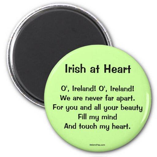 Irlandés en el imán del proverbio del corazón