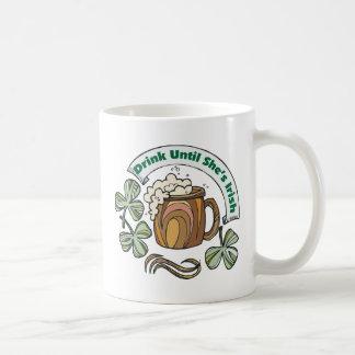 Irlandés era bebida borracha hasta que ella sea taza clásica