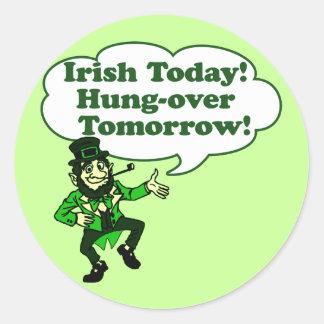 Irlandés hoy Colgar-sobre mañana Etiqueta Redonda