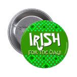 Irlandés para los tréboles y los puntos del día pin